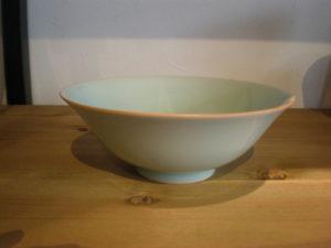 青磁鉢(口紅)